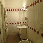 Htoel Roma Bath