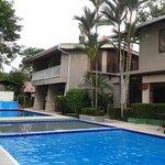 Parte sur este de Hotel Mar de Luz y piscinas
