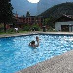 hinten am Pool