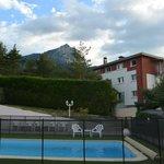 l'arrière de l'hôtel, côté piscine