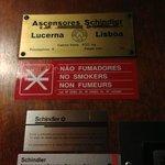 Таблички в лифте