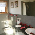 Bathroom in the cottage, decorated for newlyweds