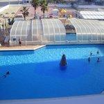 las dos piscinas vistas desde nuestra terraza