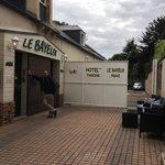 entrance hotel bayeux