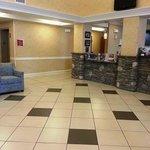 Clarion Inn: Reception