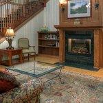 CountryInn&Suites Winchester Lobby