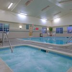 CountryInn&Suites Winchester Pool/Spa