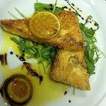 Τυρί φέτα με σουσάμι και σιροπι απο μανταρίνι Κροκο Κοζάνης  και μαστίχα ! Φανταστικό