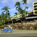 restoran sobre la playa