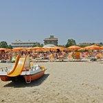 Vista hotel dalla spiaggia