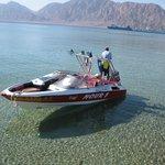 Лодка для поездок на риф (100$ - 2-3 часа поездка) - мы брали на 6 человек