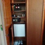 Detalhes do armário com frigobar
