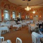 O restaurante com o café da manhã
