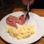 Colazione uova e pancetta