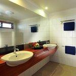 Vale Balavu bathroom