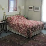 Queen bed in Room 3