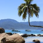Nearby praia Aventureiro (full day excursion, 1hr boat-ride)