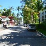 the short walkway to the beach