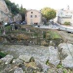 Il Tempio di Adriano.