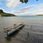 The lake Poso is very close to the Victory hotel.