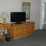 televisão e móveis