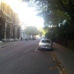 calle principal hasta el hotel..
