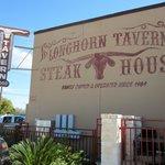 صورة فوتوغرافية لـ Longhorn Tavern Steak House