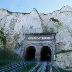 Vue du tunnel dans la falaise