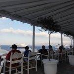 Salão do café da manhã com vista para o mar