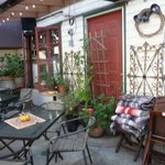Outdoor rear patio (heated)