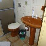 banheiro com cheiro horrível. sem higiêne