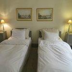 twin room (#3)