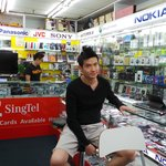 This is the shop and salepersons at Play Electronics in Lucky Plaza Singapore, that served us.