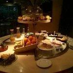 Uno dei buffet per la colazione..