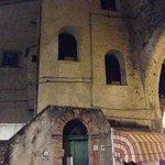 старинное здание 13 века