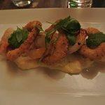 Bistro: crevettes grillées et calamars frits