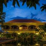 Pavillon d'O swimming pool at night