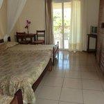 Hôtel Flamboyants Tamatave - Chambre familiale avec balcon
