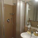 banheiro muito pequeno