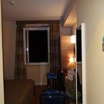 Apartamento visto a partir da porta de entrada.