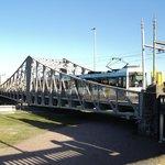 Tram op en brug in Oostende