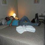habitacion triple, cama de 2 plazas y una adicional