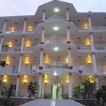 Facade Est de Mapongé Palace Hotel