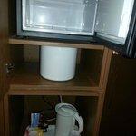Plateau de courtoisie et réfrigérateur