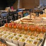 Buffet d'entrées et de desserts