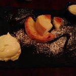 U Fiadone (cheesecake, honey and rosemary ice cream) £5.50