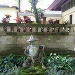 Statue outside the villa