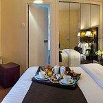chambre double et petit déjeuner room service
