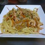 pastas con crema,camarones y verduras / pastas with shrimp and vegetables's cream