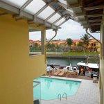 Vista da piscina à partir da varanda do quarto.